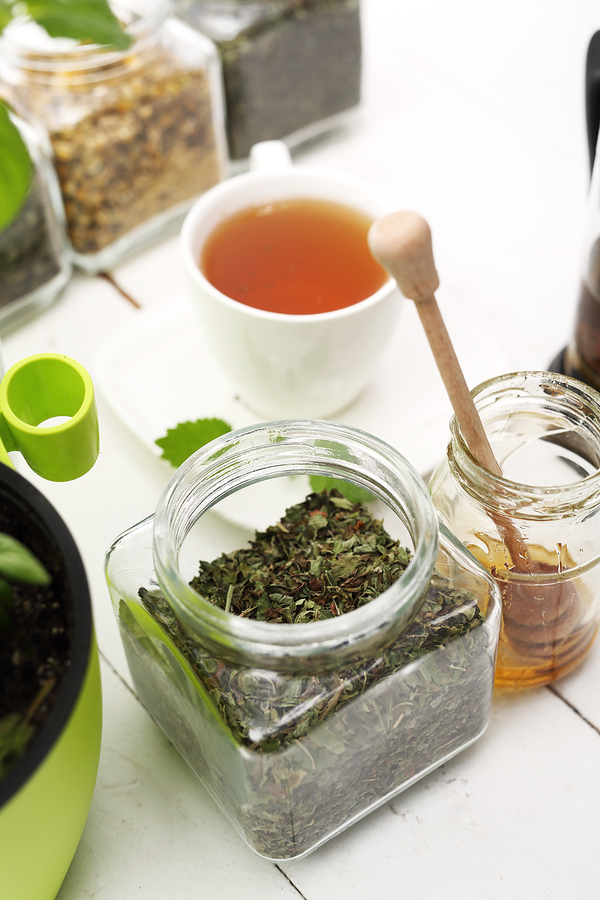 Chamomile and Nettle tea for treating hemorrhoid bleeding