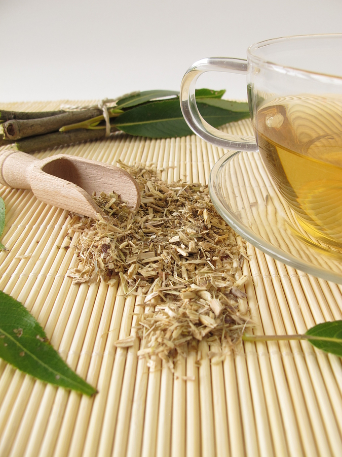 Willow Bark Tea used as home remedy for sore throat