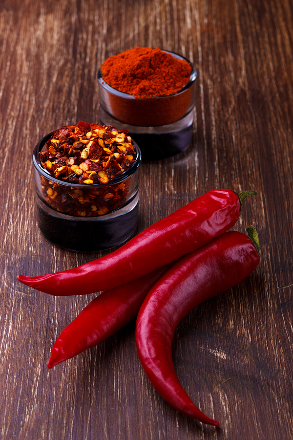 chili peppers with seeds for sore throat