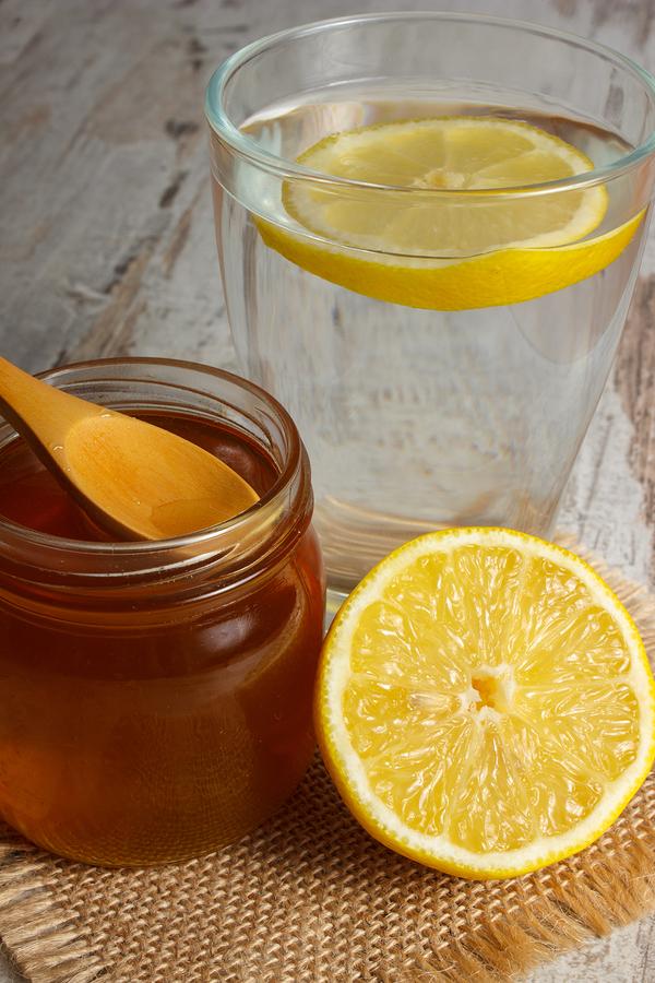 hot lemon juice for sore throat