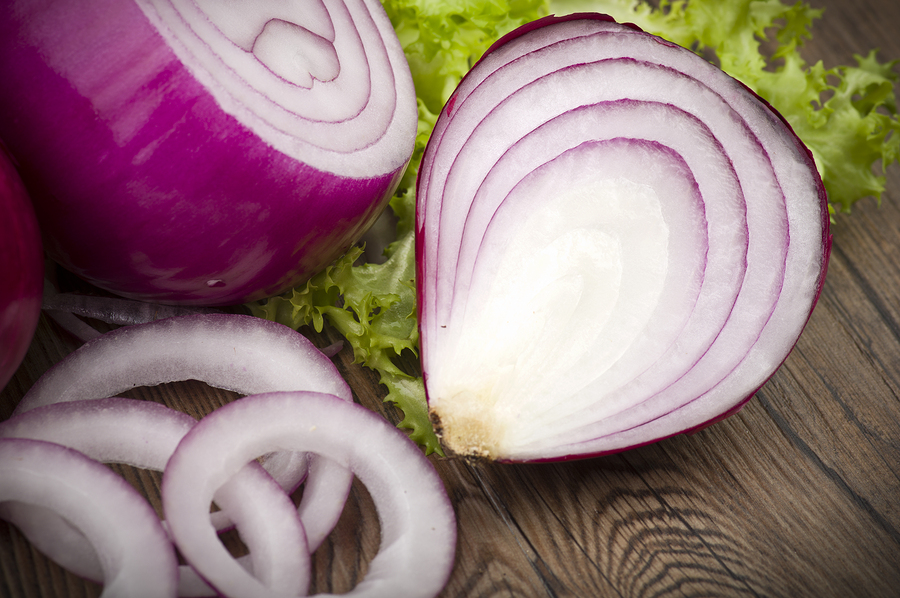red onion to make gruel to treat toenail fungus