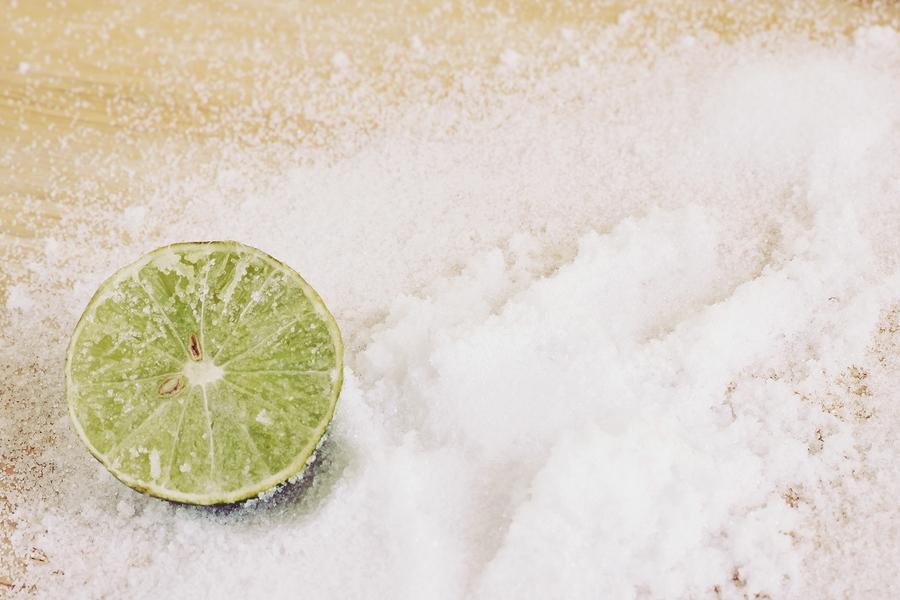 sea salt and lemon for sore throat