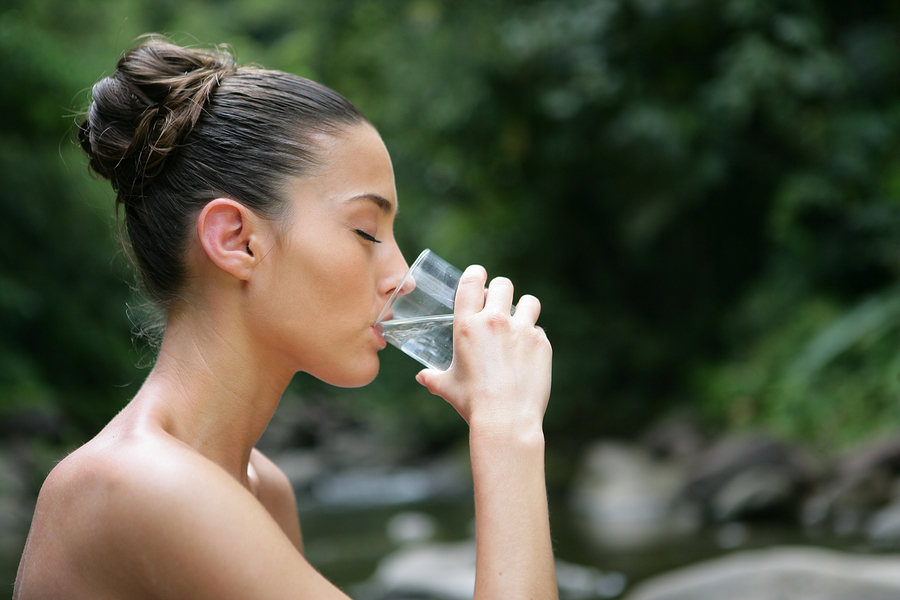 Drinking water for eye floaters