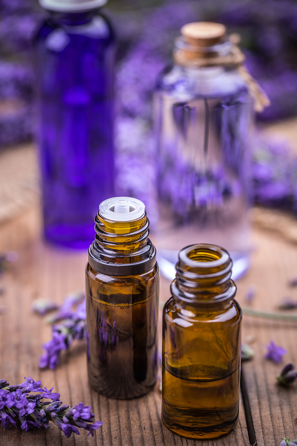 lavender essential oil to treat athlete's foot